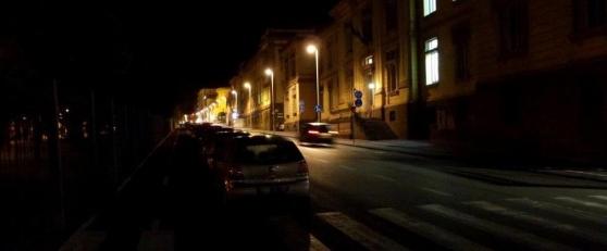 marciapiede-al-buio